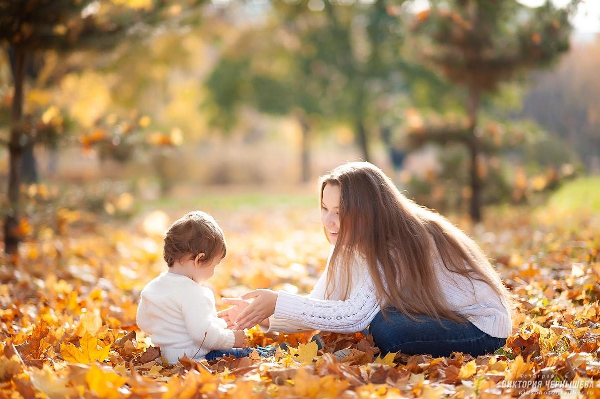 мама и дочка на природе фото